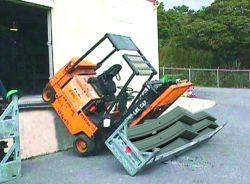 Nehoda při nakládce často končí se zraněním nebo poškozením majetku